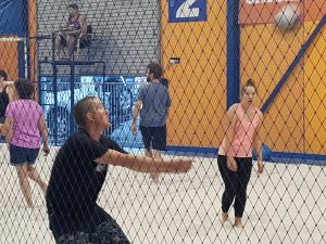 receiving serve-Bunbury Indoor Beach Volleyball-08 9726 0200